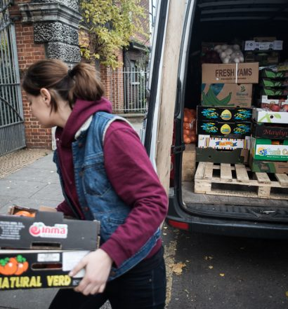 FoodCycle gathering surplus food from New Spitalfields Market - Documentary Photography by Chris King