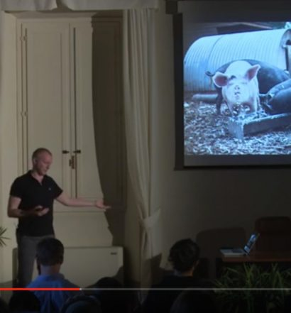 Photographer Chris King presents his work on food waste at NYU, Florence