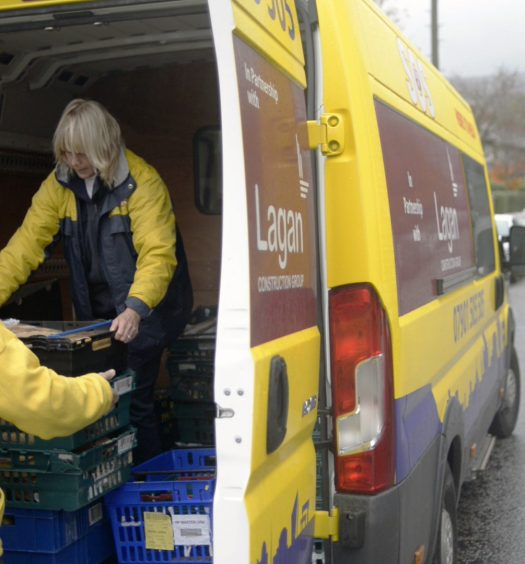 SOS NI - Rescuing food from going to waste, redistributing it to people in need