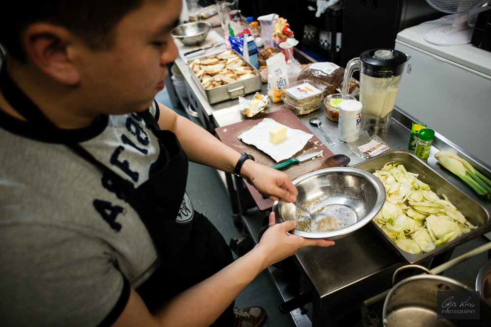 FoodCycle Bloomsbury Hub - Volunteers preparing the 3 Course Meal